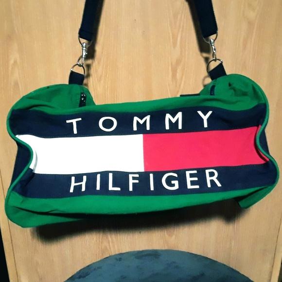 58a32490cb57 Vintage Tommy Hilfiger Duffle bag Logo 90 s. M 5b396aa5c2e9fea080f8918a